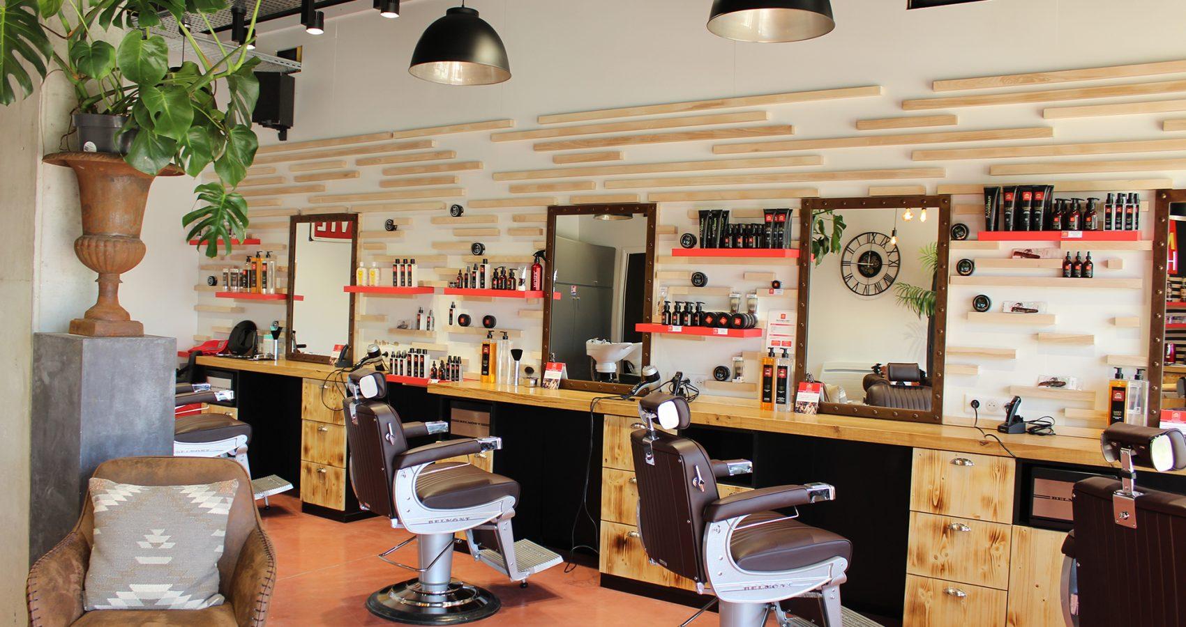 Maxime-homme-page-accueil-barbier-coiffeur-ambroise12