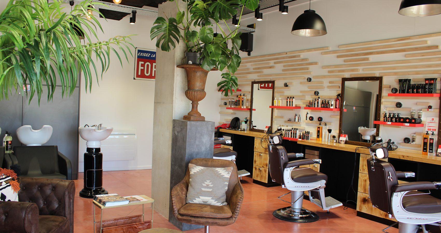 Maxime-homme-page-accueil-barbier-coiffeur-ambroise13