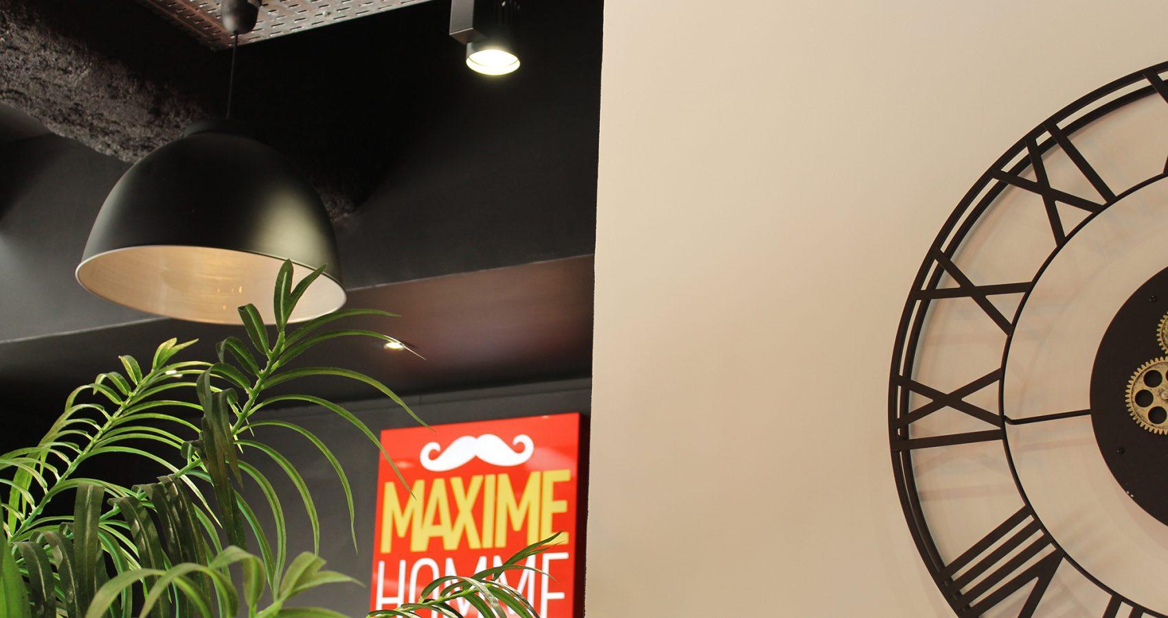 Maxime-homme-page-accueil-barbier-coiffeur-ambroise14