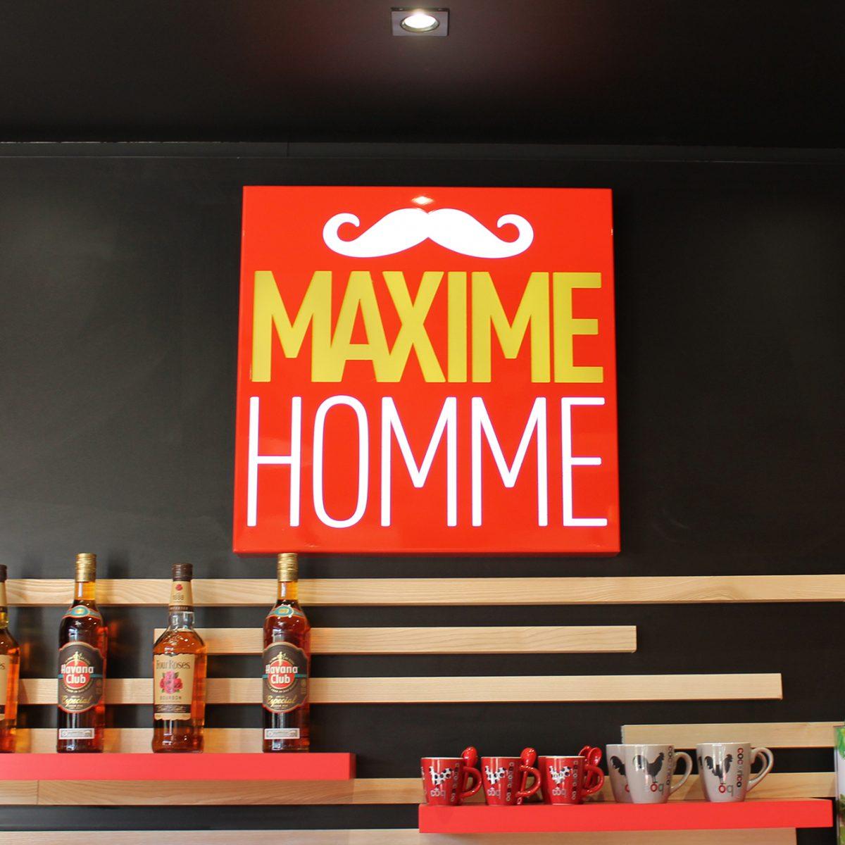 Maxime-homme-page-accueil-barbier-coiffeur-ambroise16