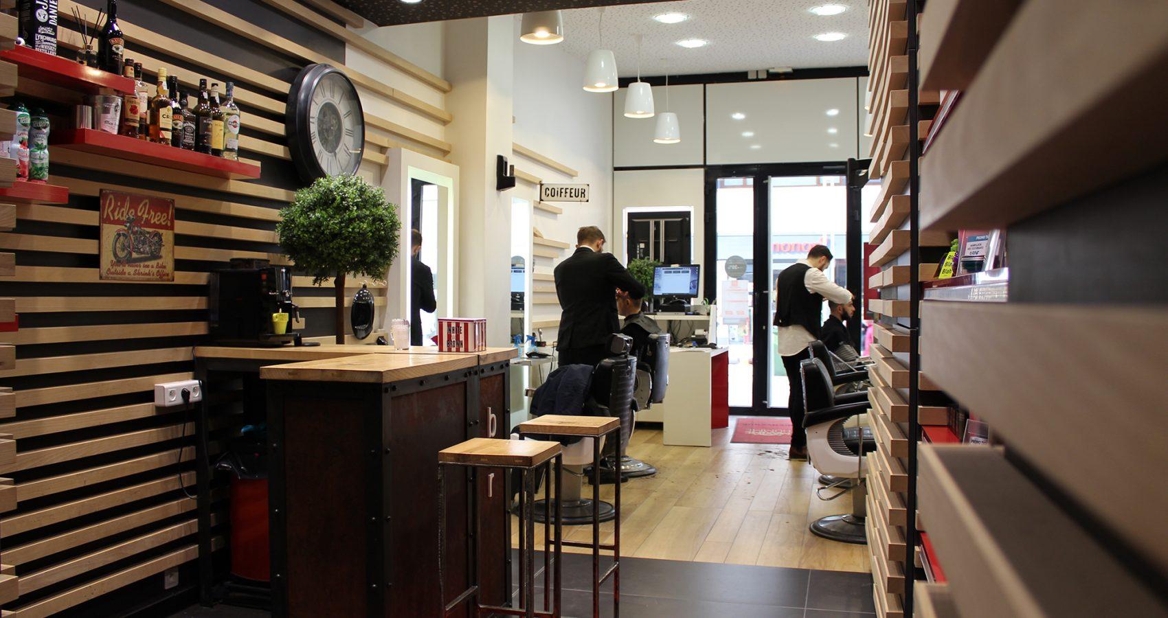 Maxime-homme-page-accueil-barbier-coiffeur-noyon5