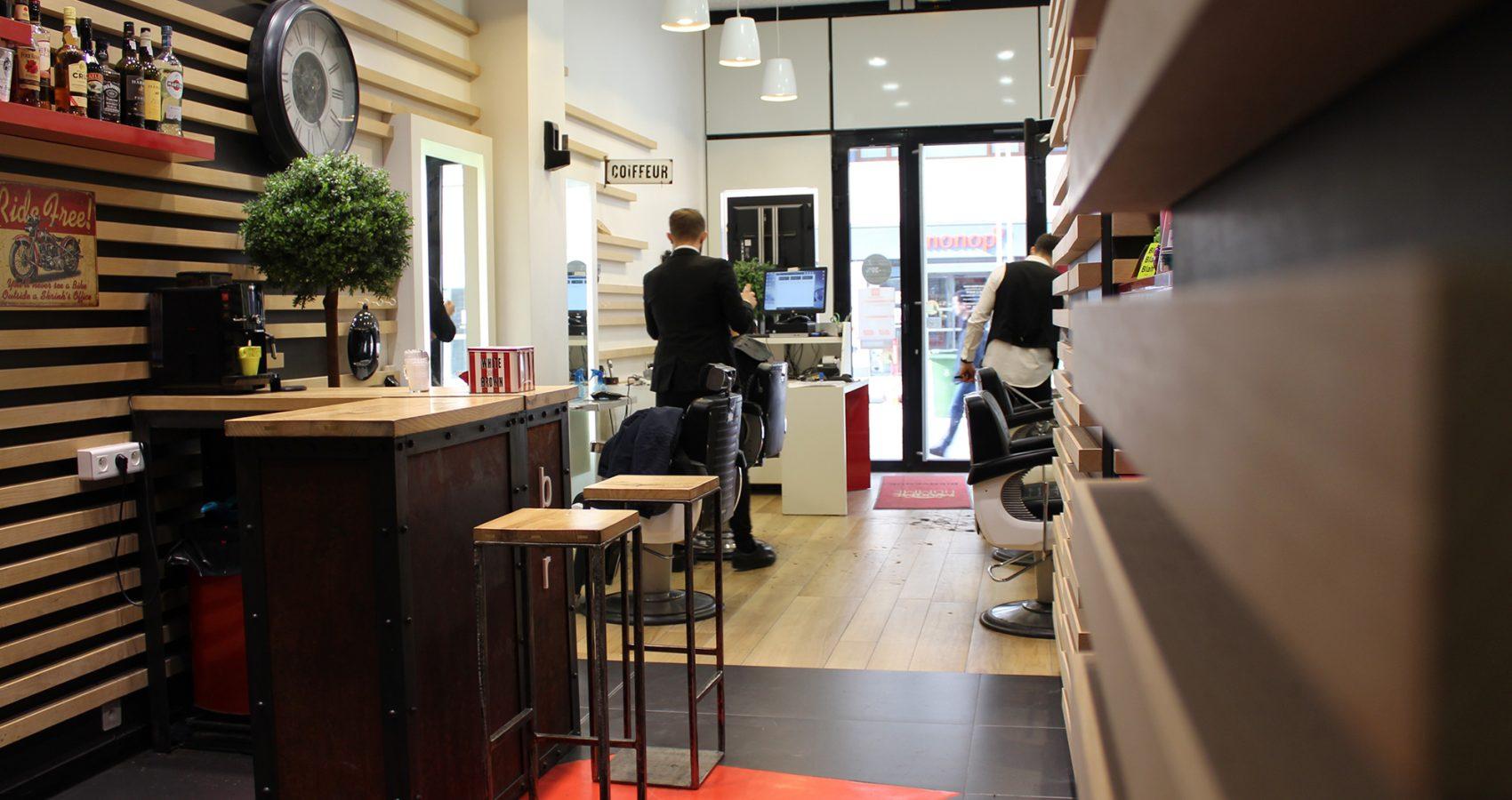Maxime-homme-page-accueil-barbier-coiffeur-noyon7