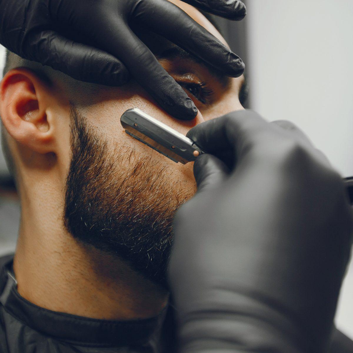 Maxime-homme-page-accueil-barbier-coiffeur--orfevres11