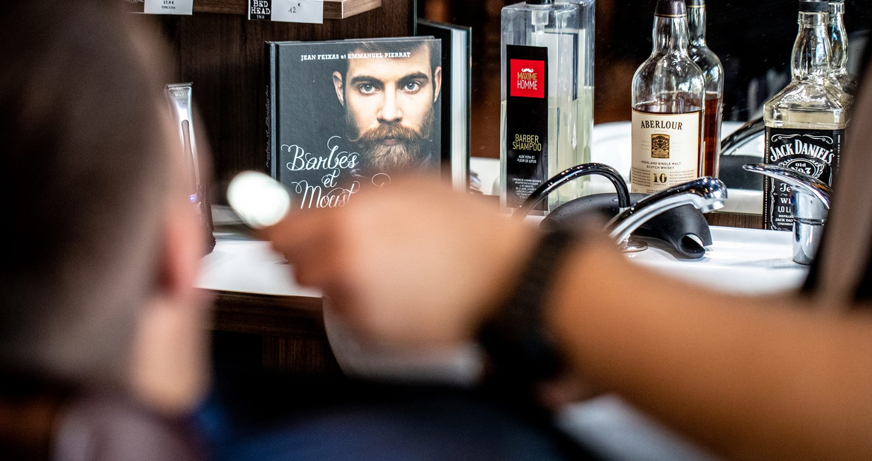 Maxime-homme-page-accueil-barbier-coiffeur--orfevres4