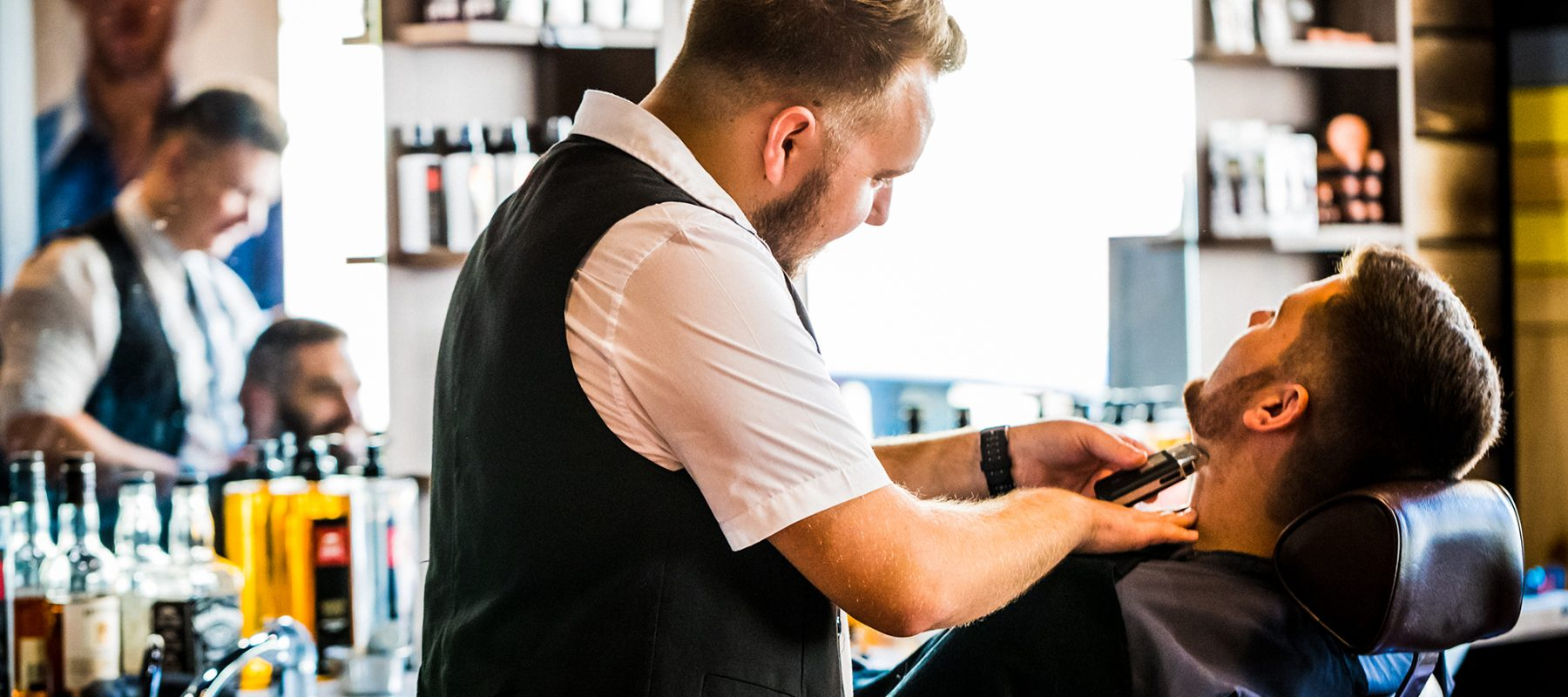 Maxime-homme-page-accueil-barbier-coiffeur--orfevres44